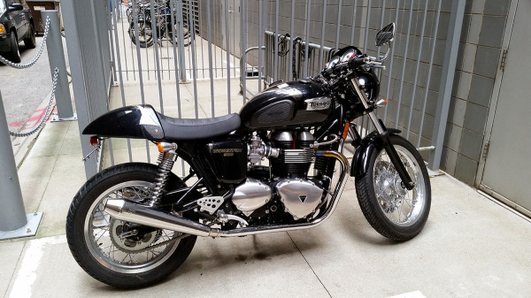 2012 Triumph Thruxton 900 Triumph Bonneville A Personal Moto Blog