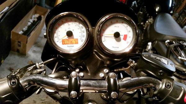 2012-triumph-thruxton-miles