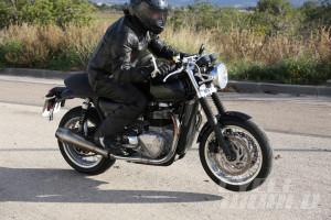 Triumph-Street-Tracker-002