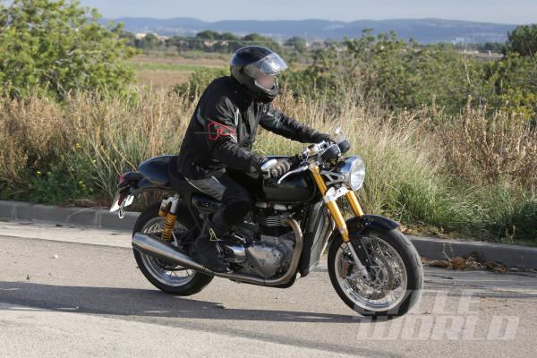 Triumph-Street-Tracker-R-006
