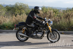 Triumph-Street-Tracker-R-007