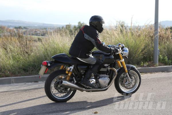 Triumph-Street-Tracker-R-008