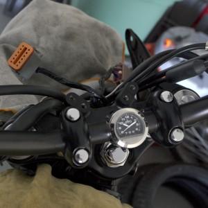 bonnevile-efi-tachometer-fit-check-25