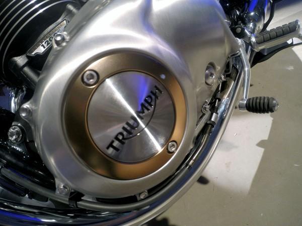 2016 Bonneville T120 left engine cover
