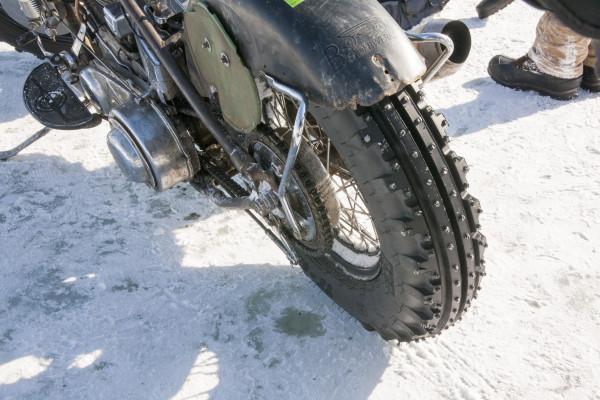 ice-racing-harley-30-3