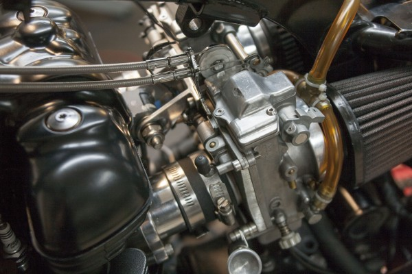 Bonneville Performance Mikuni carb kit installed